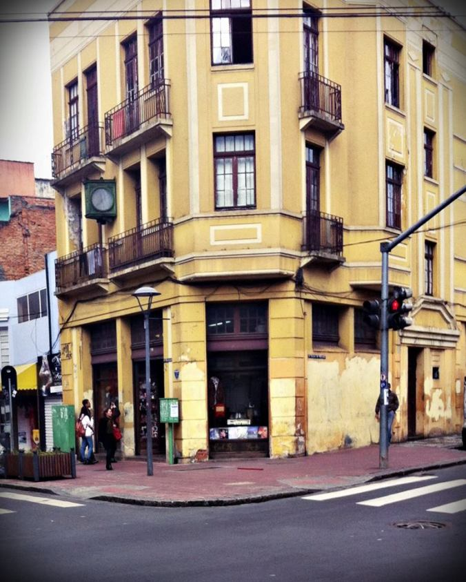 A loja oferece produtos de R$ 1 a R$ 140 - Foto: Amanda Marciniak